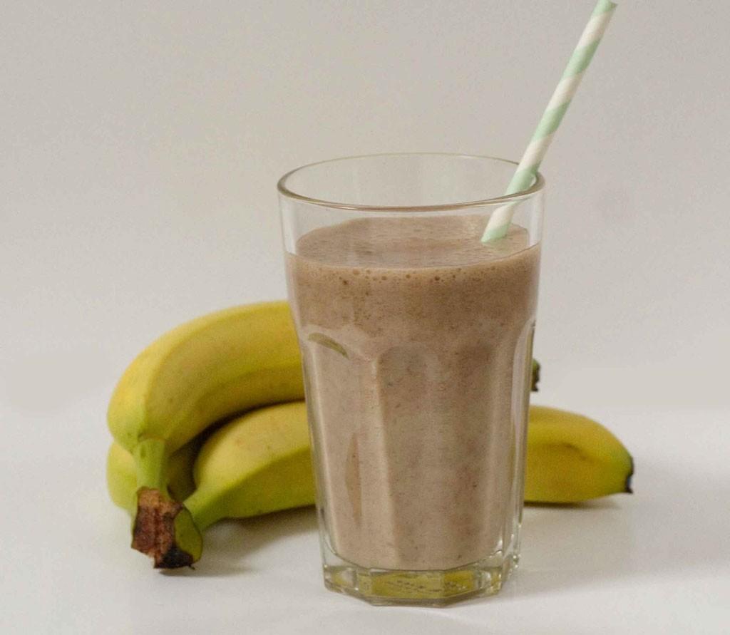 smoothie banane et lait de soja la cannelle zestonszestons